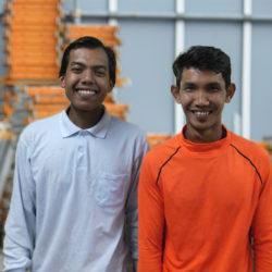 外国人技能実習生が2名入社致しました。
